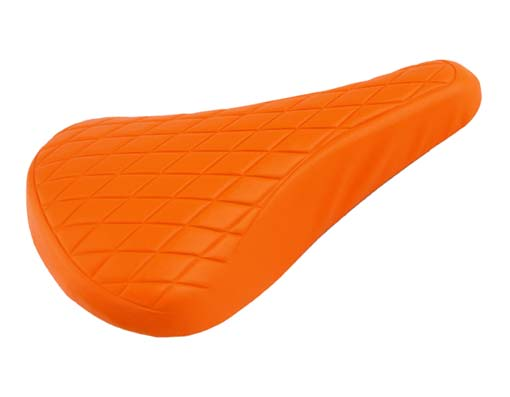 Vinyl Saddle Diamond 702 Orange.